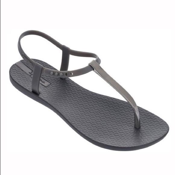 d68f22f5980 Ipanema NWT Gray Bandeau Jelly Sandals